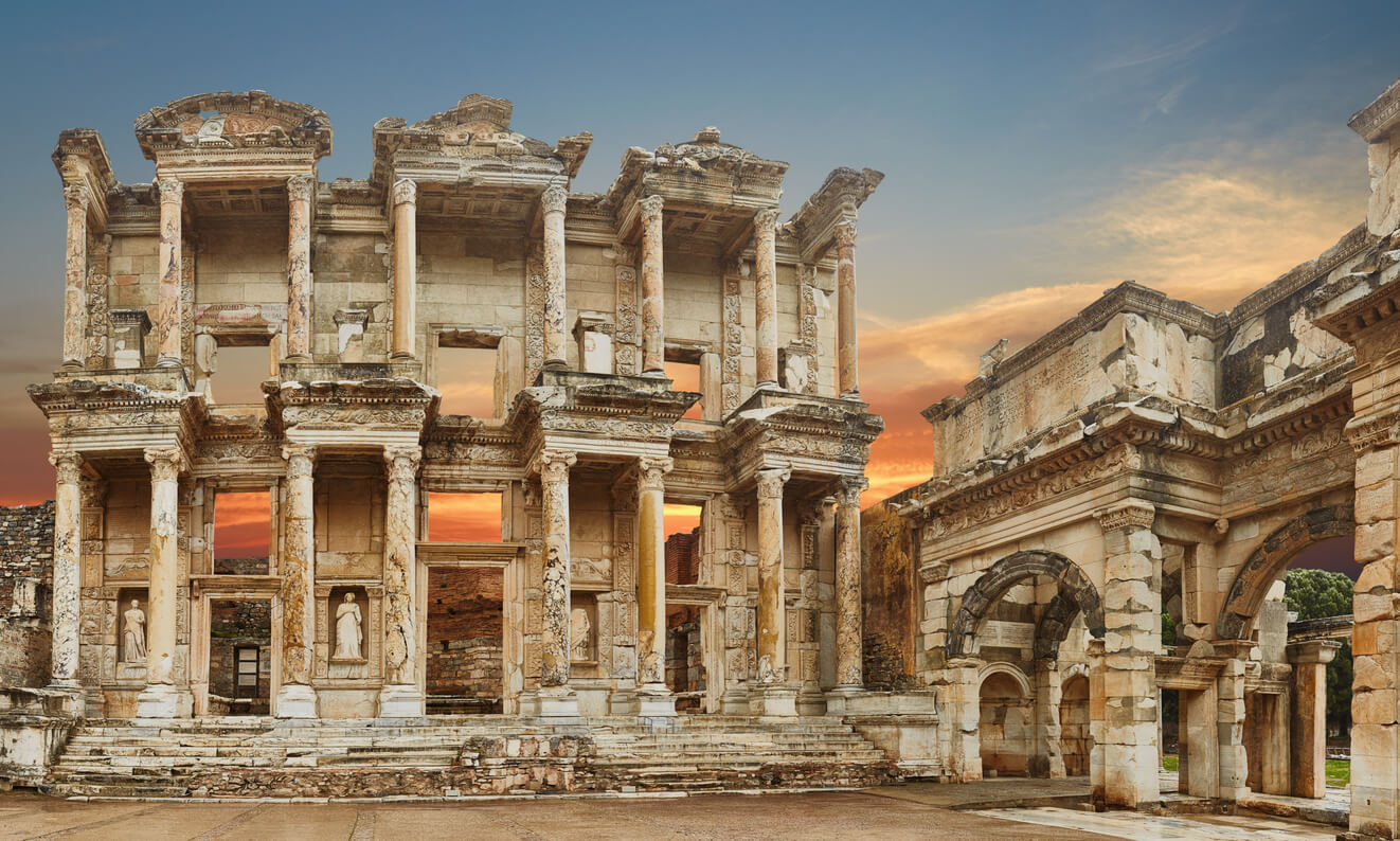 İzmir'in Tarihi Yerleri Nerelerdir?